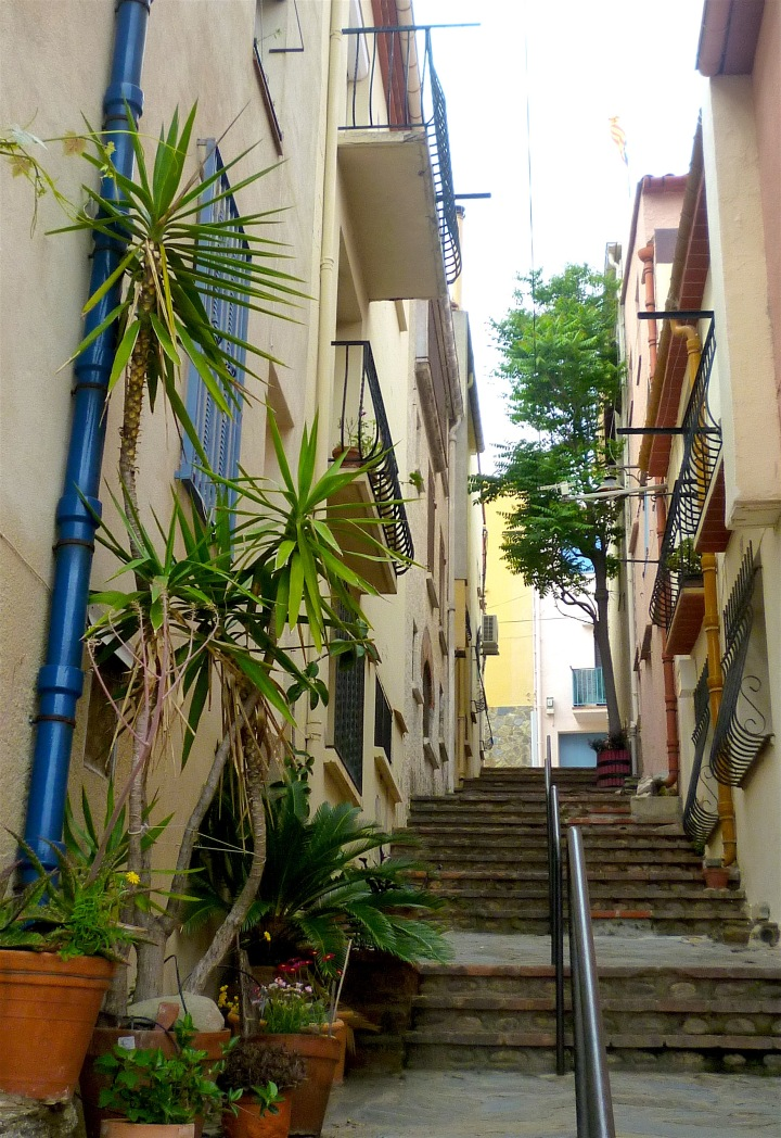 little street 15